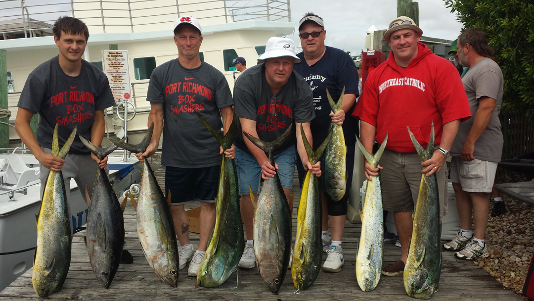 Rough day but we made the best of it. Mike Hand and some friends held in there and 3 yellowfin and 6 dolphin.